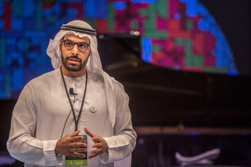 محمد خليفة المبارك رئيس دائرة الثقافة والسياحة.