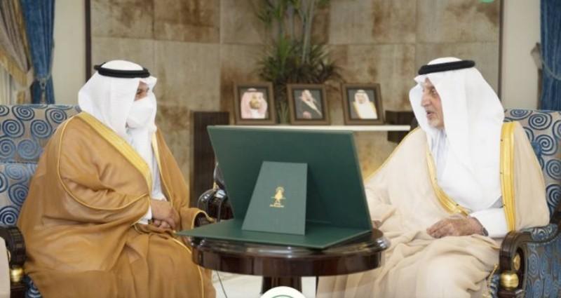 أمير منطقة مكة المكرمة مستقبلاً الربيعة.