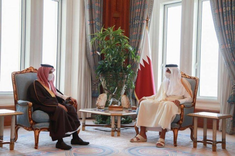 أمير دولة قطر يستقبل وزير الخارجية.