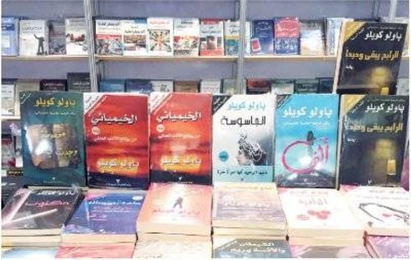 الروايات.. عامل الجذب الأقوى في معارض الكتب.