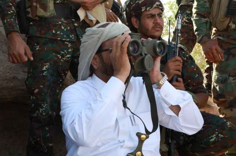 العرادة يدير المعارك في مسرح العمليات العسكرية ضد الحوثي في مأرب.