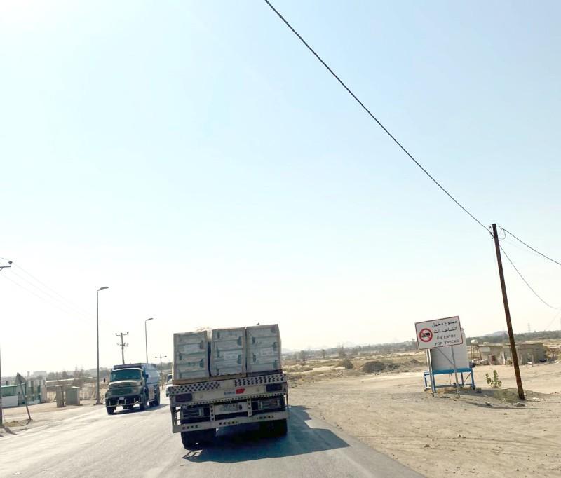 مطالبات بضبط الشاحنات غير الملتزمة بأنظمة المرور.