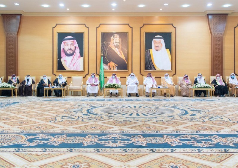 شارك الأمير حسام في الاجتماع المطوّل بين مشايخ القبائل.