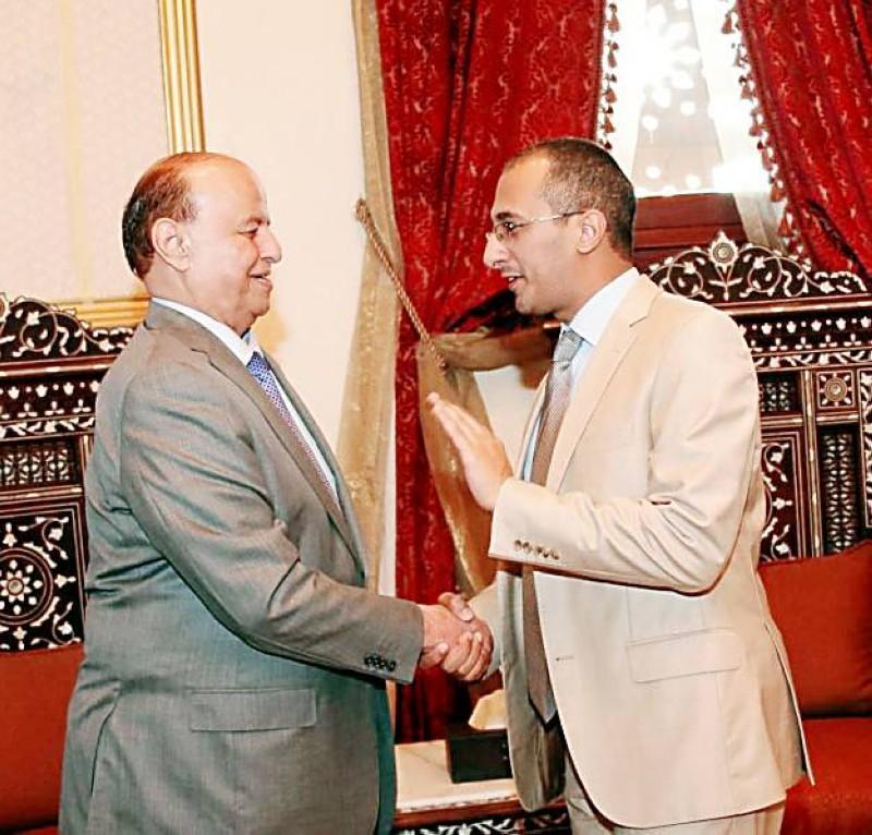 مع الرئيس هادي مهنئاً بمصالحة 2014م.