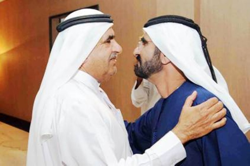الفقيد مع شقيقه الشيخ محمد بن راشد آل مكتوم.