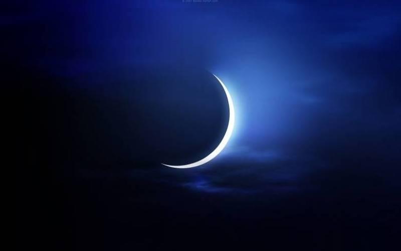هلال رمضان.