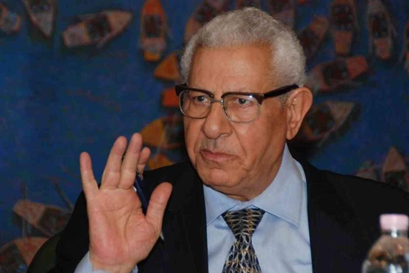 الصحفي المصري مكرم محمد أحمد.