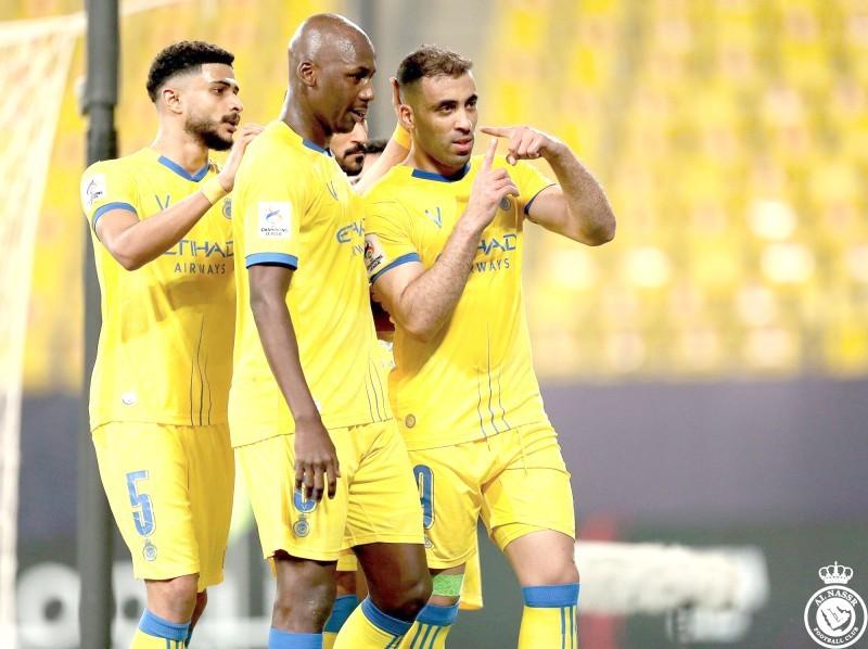 مهاجم النصر حمدالله يعبر عن فرحته بطريقته الخاصة بعد هدفه في مرمى السد.