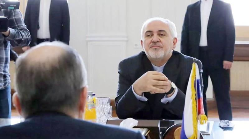 محمد جواد ظريف يلتقي وزير الخارجية الروسي.