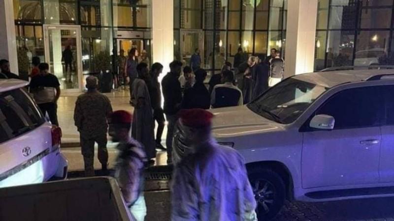 مليشيات أمام مقر المجلس الرئاسي الليبي في طرابلس.