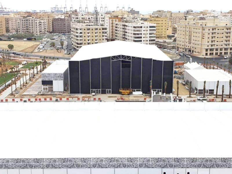 مسرح المهرجان الذي تم تشييده في جدة التاريخية العام الماضي قبل تأجيل المهرجان لظروف جائحة كورونا.