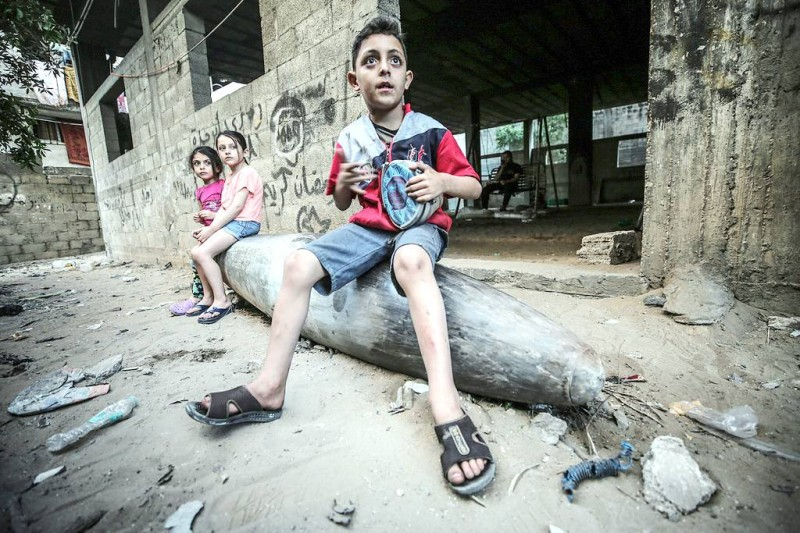 صواريخ الاحتلال في منازل غزة. (متداولة في مواقع التواصل الفلسطينية)