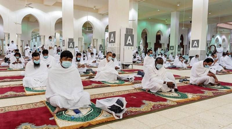 ضيوف الرحمن في مسجد نمرة في موسم حج العام الماضي