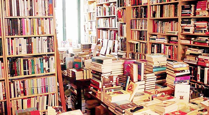 دور النشر بين إنصاف الأدب والمعرفة وتسليعهما.