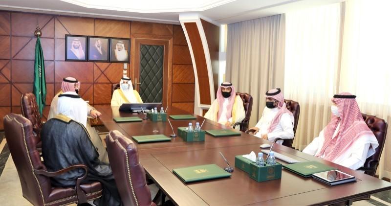 الأمير سعود بن نايف خلال تدشينه فعاليات اليوم العالمي لمكافحة المخدرات. (علاقات الإمارة)