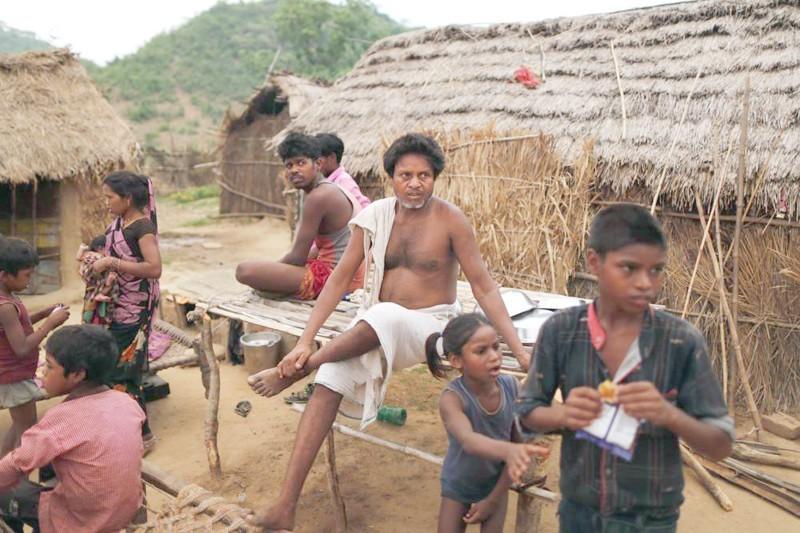 هندي وأسرته الريفية يرفضون اللقاح.