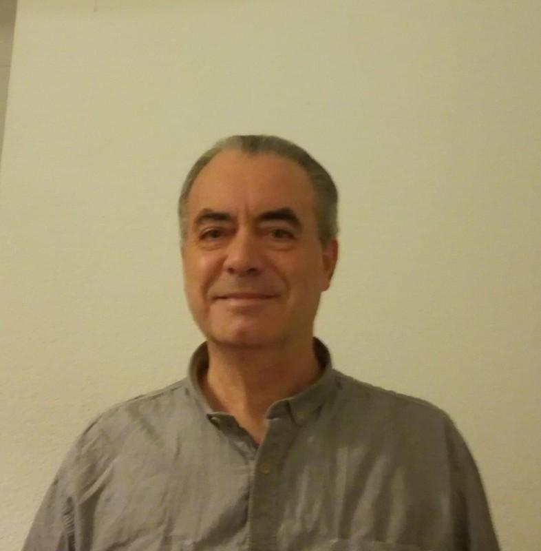 الناقد الفرنسي لوك باربليسكو.