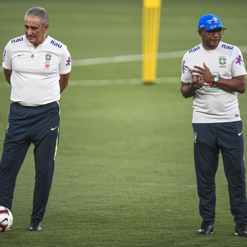 مدرب منتخب البرازيل تيتي، يعول كثيرا على مساعده سيزار سامبايو، النجم السابق.