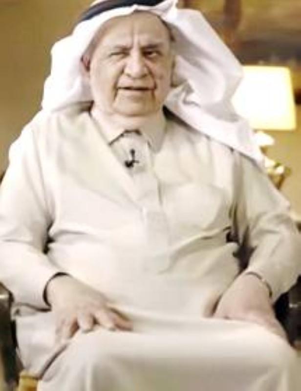 صورة حديثة للقريشي خلال مقابلة تلفزيونية.