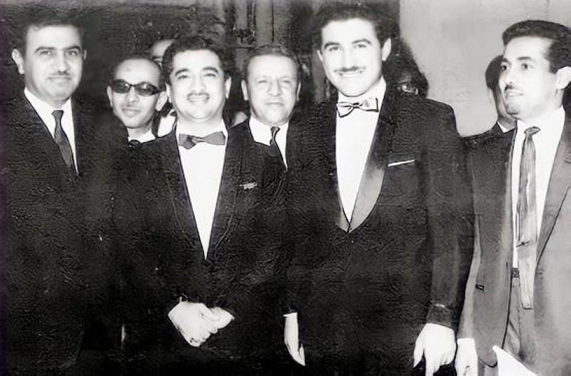 القريشي (الأول من اليسار) في زفاف حسن المشاري بفندق برستول في بيروت 1965.