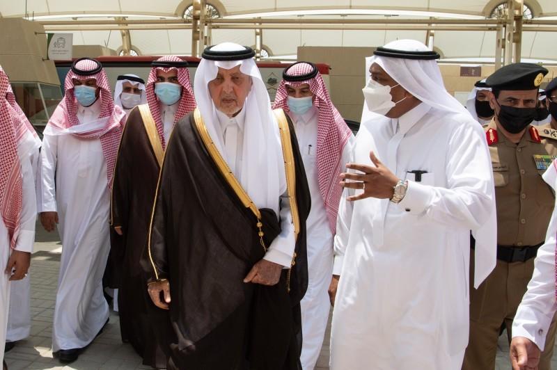 أمير مكة يفتتح مركز الترحيب والاستقبال بالزايدي (إمارة مكة - «تويتر»)