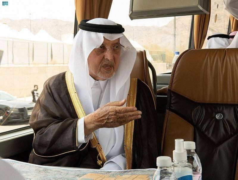 الأمير خالد الفيصل في جولته التفقدية على المشاعر المقدسة (إمارة مكة - «تويتر»)