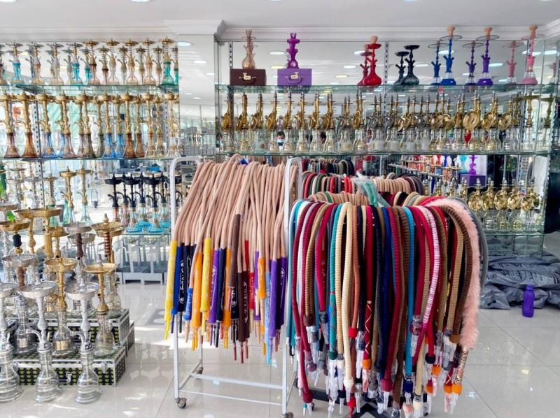التجارة: عدم توفير أجهزة الدفع الإلكتروني يُعد مخالفة لأنظمة البيع. (تصوير: المحرر)