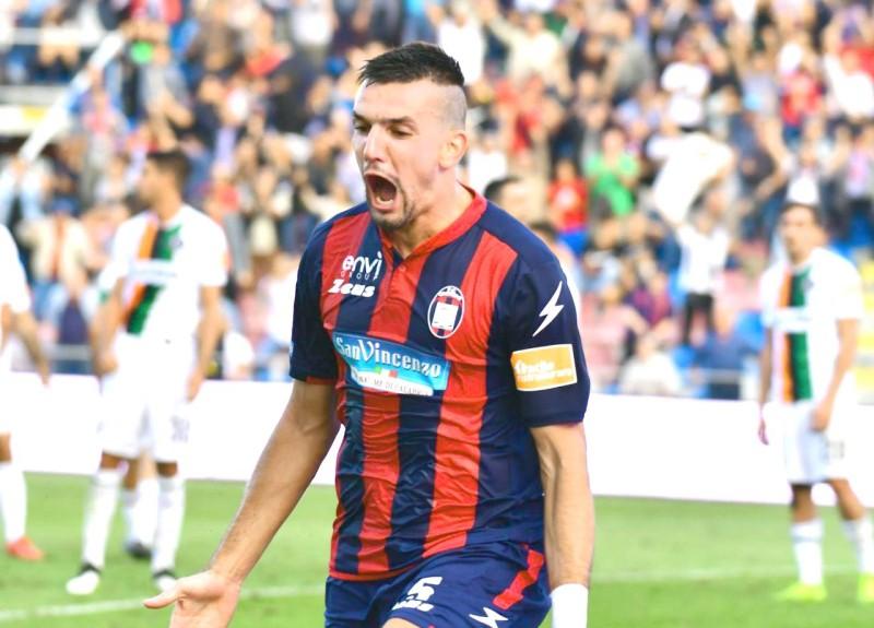 الصربي فلاديمير جوليميتش. (FC Crotone)