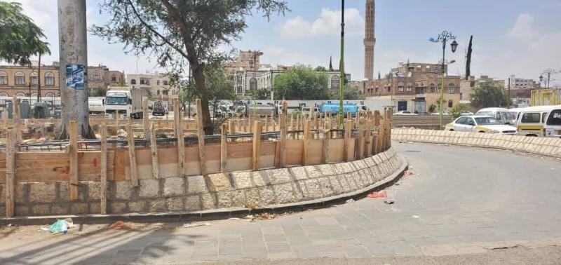 سطو حوثي على الحدائق والجزر في صنعاء القديمة.
