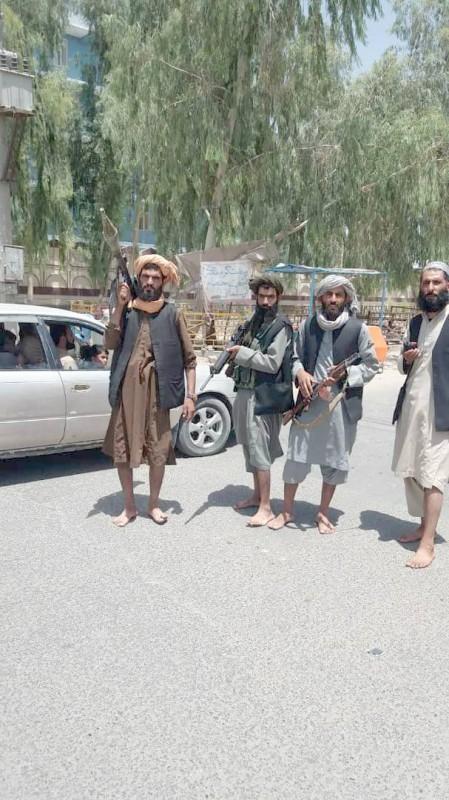 مسلحون من طالبان في هرات. (متداولة)