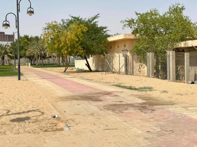 ممشى المتنزه ينتظر التأهل والاهتمام.