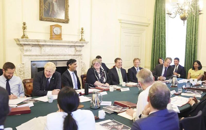 جونسون كشف الزيادات الضريبية لمجلس وزرائه صباحاً قبل التوجه للبرلمان. (وكالات)