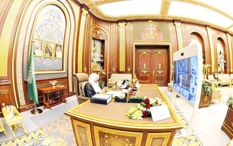 آل الشيخ خلال ترؤسه جلسة مجلس الشورى عن بعد.  (واس)