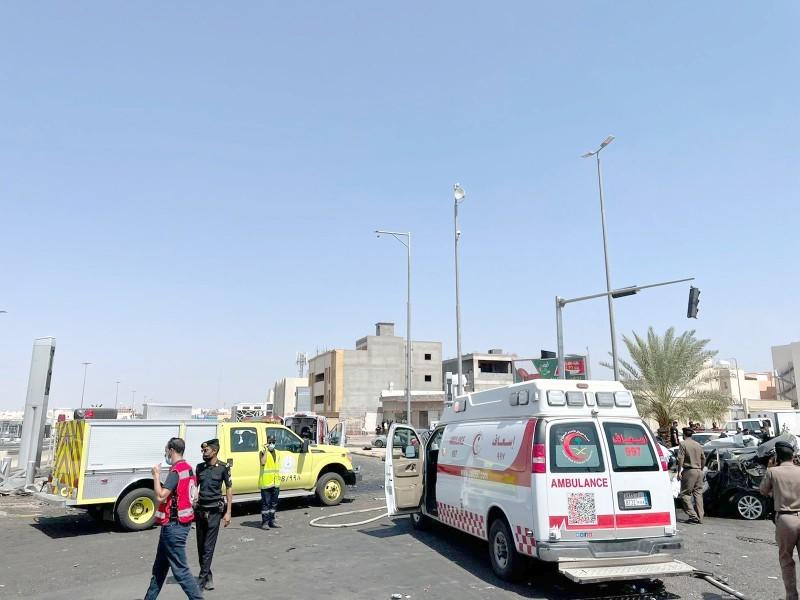 الحادث المفجع الذي تسبب بوفاة 4 أشخاص وإصابة 5 بسبب شاحنة.