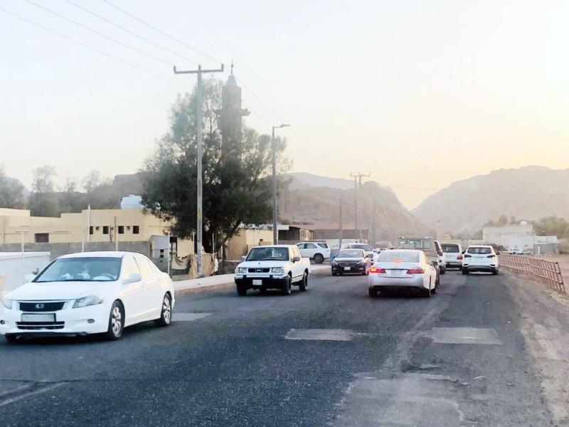 أحياء حائل تحتاج لخدمات بلدية وصيانة مستمرة للطرق.